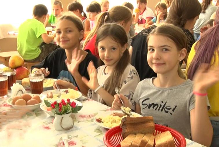 Оздоровительный лагерь «Огонёк» принял детей из подтопленных территорий