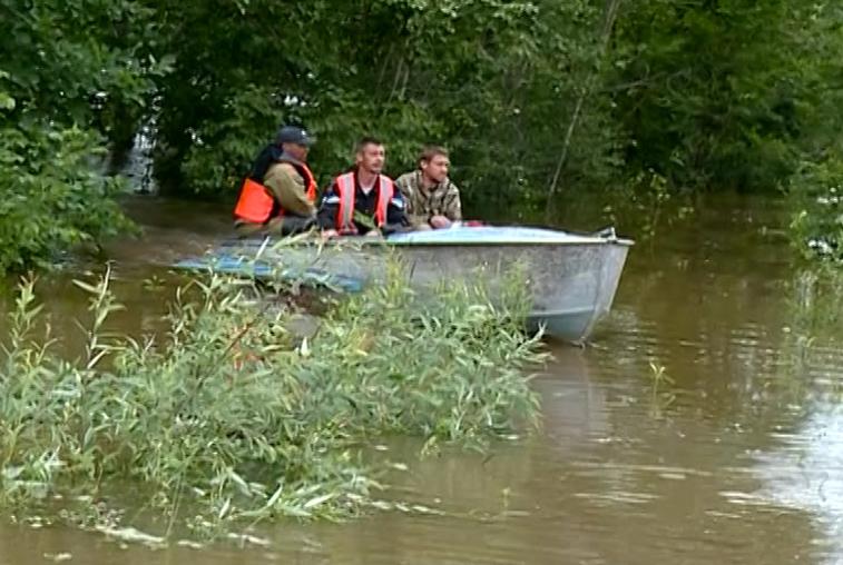 С подтопленных территорий эвакуировано почти 2 400 человек