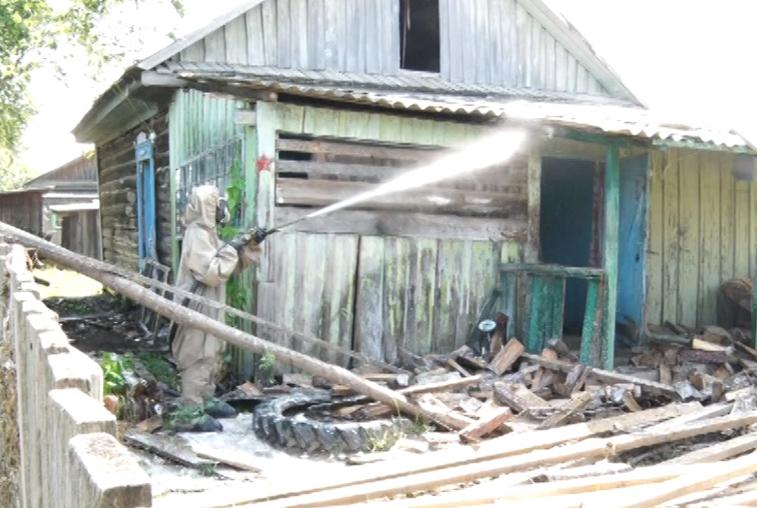 В селе Угловое устраняют последствия наводнения. Многие жители всерьез задумываются о переезде