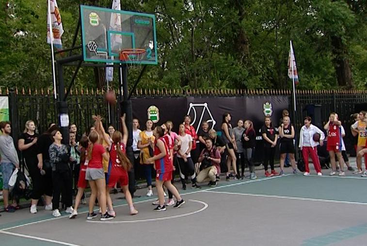 Турнир по стрит-баскету в Благовещенске собрал 70 команд