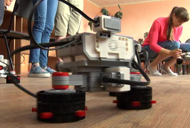 «Точки роста»: Сельские школы обеспечивают современным оборудованием для новых форм обучения