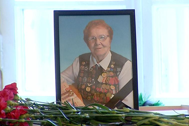 Сотни амурчан пришли попрощаться с Ниной Валериановной Релиной