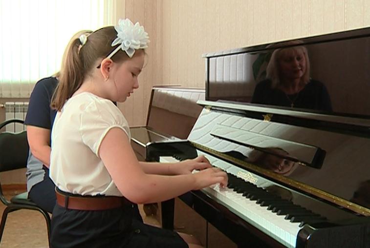 Благодаря нацпроекту «Культура» в школах области появятся новые музыкальные инструменты