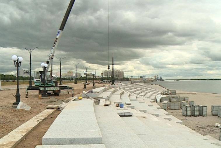 Строительство амфитеатра на набережной Амура близится к завершению