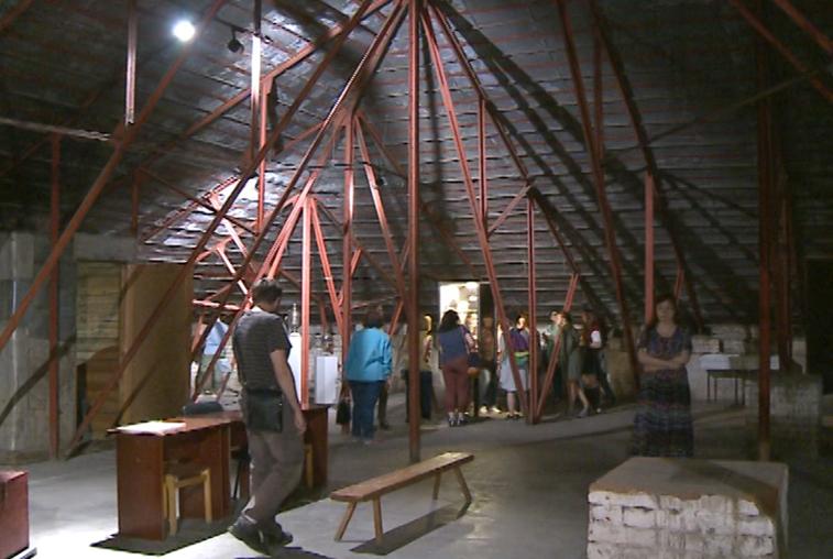 Чердак, пропитанный историей: краеведческий музей провел для амурчан экскурсию по скрытым местам