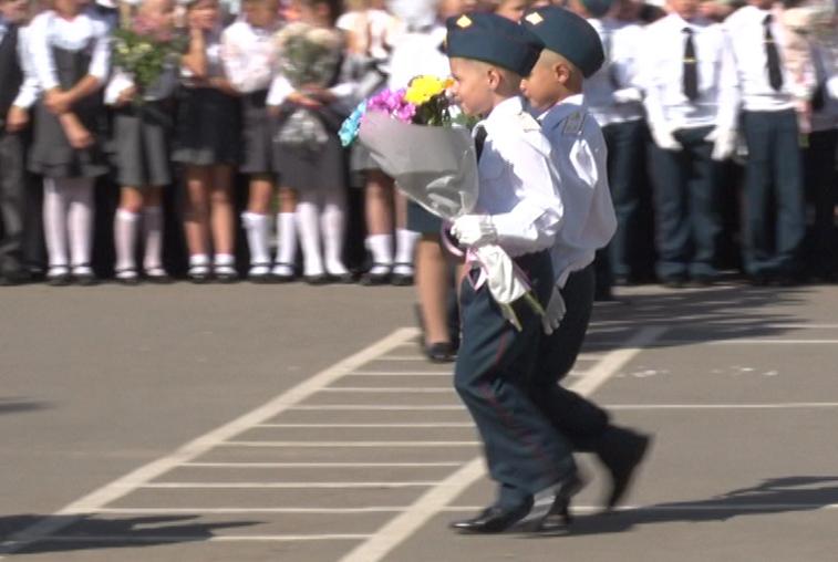 В благовещенском лицее №6 ряды патриотов пополнили 180 первоклашек