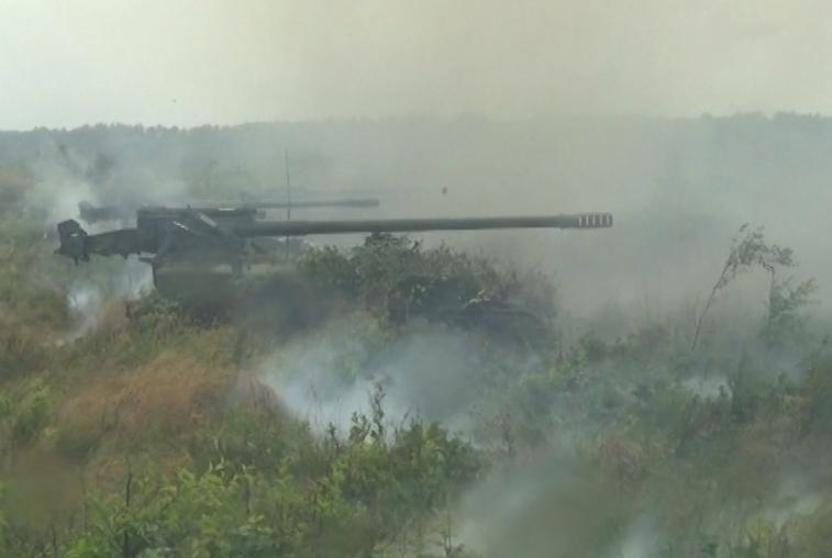 Два километра до цели: ВВО отработали тактику групповых ударов из самоходных артсистем «Гиацинт-С»