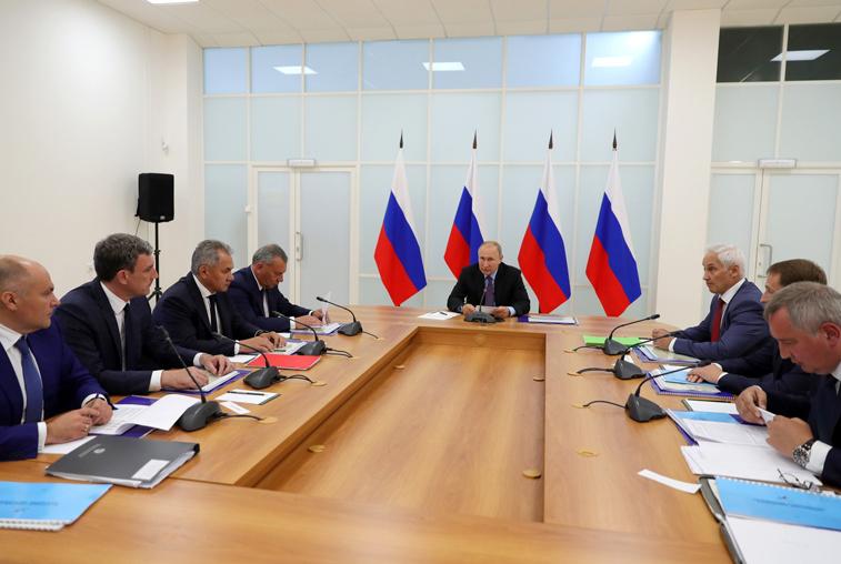 В. Путин: Россия должна наращивать свои преимущества на рынке космических услуг