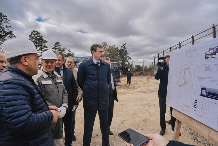 Строительство нового путепровода, школы, ФОКа, реконструкция больницы и дорог: Губернатор области проверил ход работ в Свободном