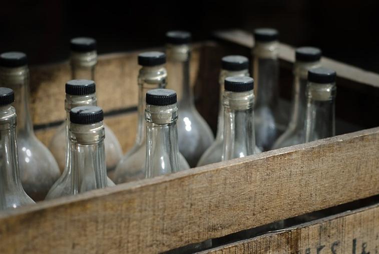 Крупную партию контрафактного алкоголя конфисковали амурские правоохранители у жителя Тынды