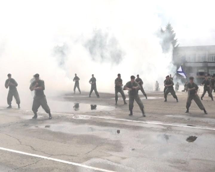 Показательные сражения, армейская каша и боевая техника: На площади у благовещенского ОКЦ состоится военно-патриотическая акция