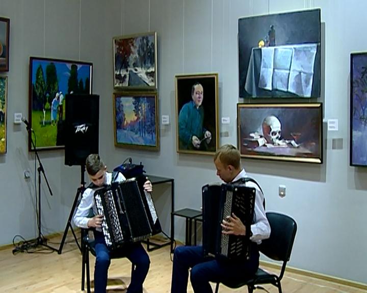 В Амурском краеведческом музее открылась юбилейная выставка картин Евгения Зверева