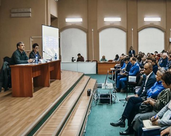 Тындинские времянки ликвидируют: Василий Орлов продолжил северную командировку