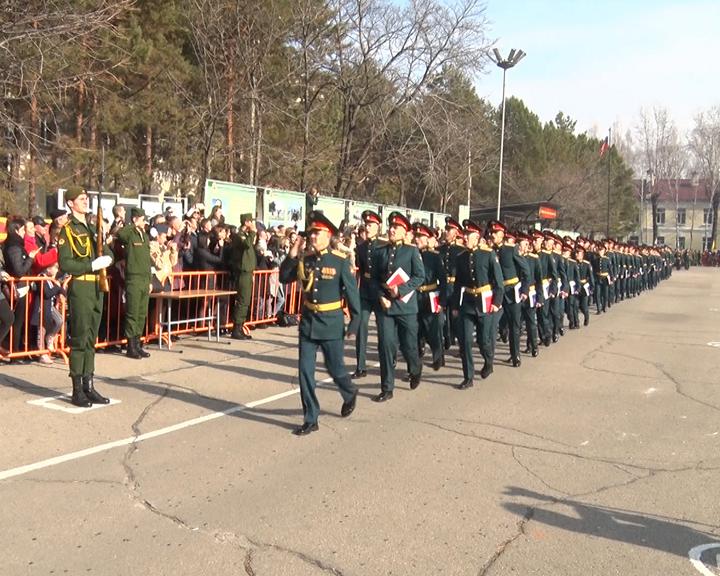 Около 200 курсантов стали лейтенантами: В ДВОКУ провели 108 выпуск офицеров