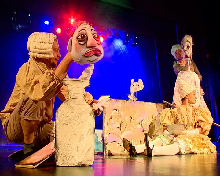 «Не хочу учиться, хочу жениться!»: В Амурском кукольном театре покажут спектакль «Господа Скотинины»