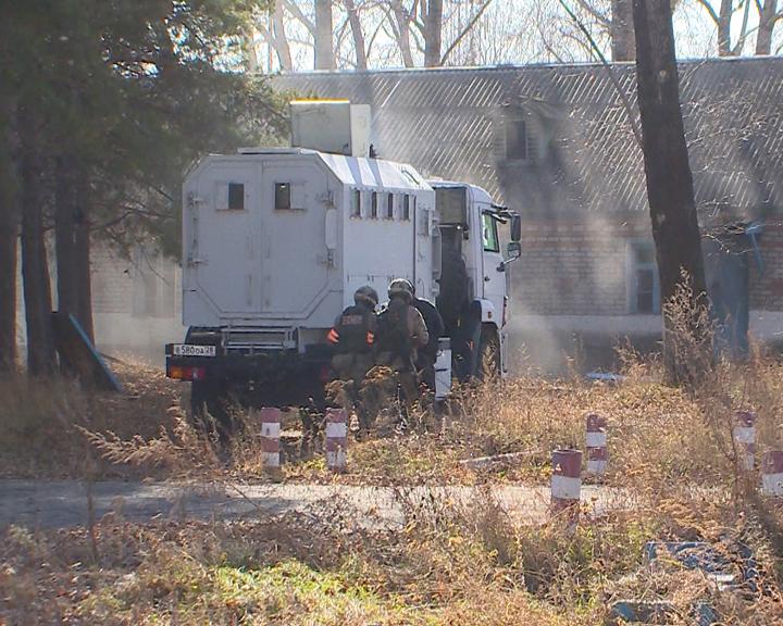 Амурские силовики и сотрудники МЧС провели учения по нейтрализации террористов