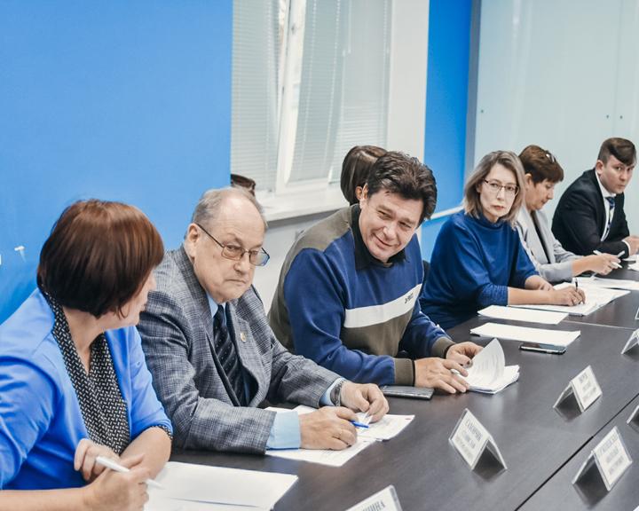 На заседании общественного совета обсудили варианты обустройства исторического дома И.Котельникова