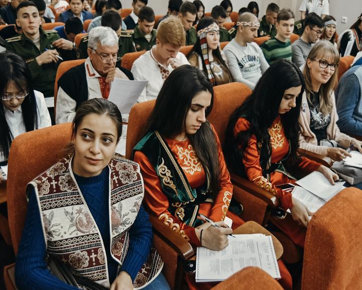 Амурчане проверили свои знания народов России