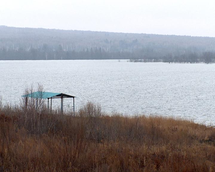 Маломерным судам нет выхода на Нижне-Бурейское водохранилище: в области продолжается закрытие навигации