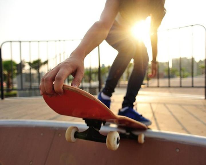 Из-за недобросовестных подрядчиков сдвинулись сроки открытия скейтодрома и детского городка в Свободном