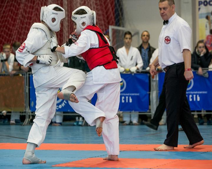 Открытый областной турнир по киокушинкай в Благовещенске собрал больше 300 спортсменов