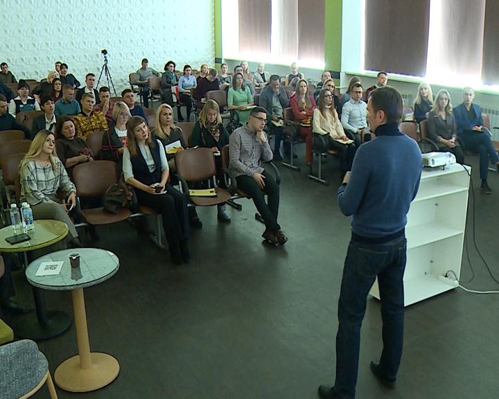 Гиганты международной интернет-торговли провели для амурских предпринимателей ряд лекций
