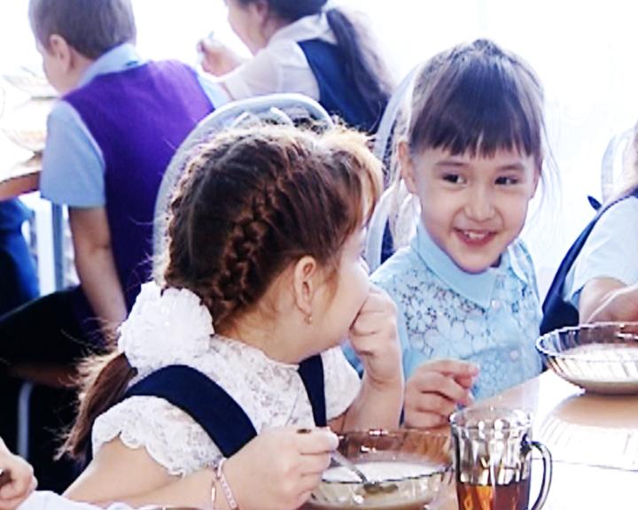 Правительство региона увеличило финансирование на бесплатное питание школьников