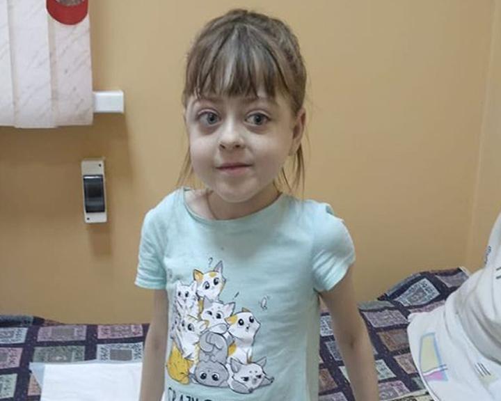 9-летней Александре Болотиной требуется срочная помощь