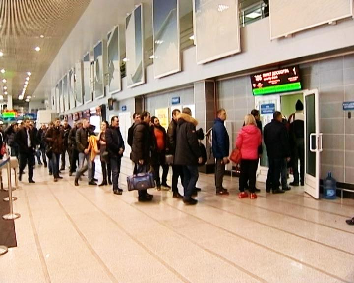 Аэропорт амурской столицы из-за снегопада перешёл на круглосуточный график работы
