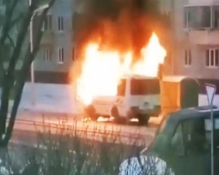 В Благовещенске дотла сгорел маршрутный автобус