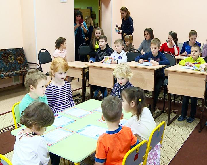 Амурские сироты и тяжелобольные дети вновь пишут письма Деду Морозу