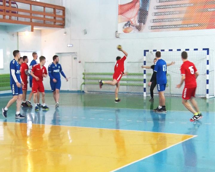 В Ивановке прошёл второй этап окружного первенства по гандболу