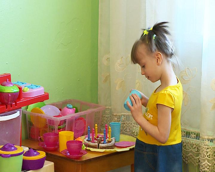 «Счастье каждому»: 5-летняя Дарина мечтает о большой и дружной семье