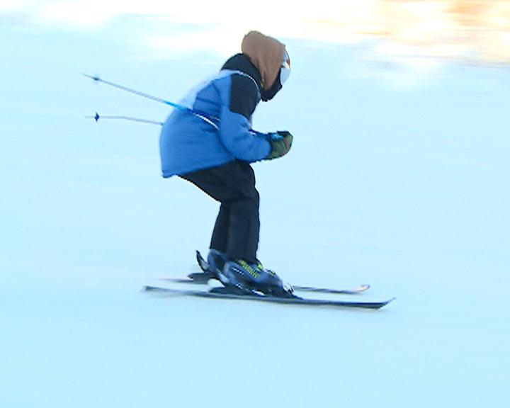 Палки в руки, доска в помощь: В окрестностях Благовещенска выявляли лучших сноубордистов и горнолыжников