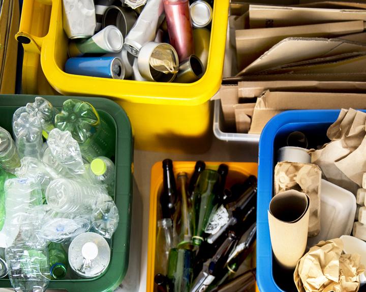 Желающих разумно сортировать мусор ждут сегодня возле областной научной библиотеки