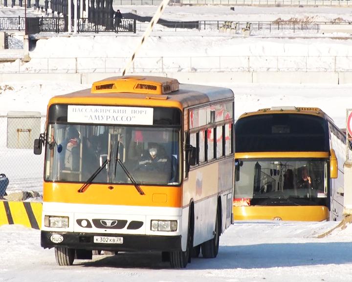 Временный транспортный коридор: Более 200-т российских туристов переправили сегодня из Хэйхэ в Благовещенск