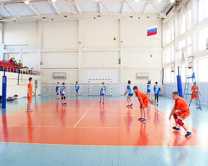 Определить лучших: В Благовещенске финишировало юношеское первенство области по волейболу
