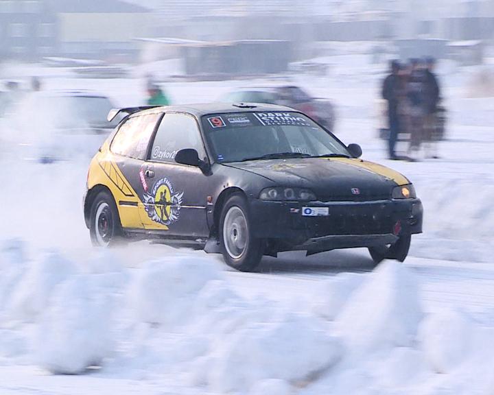 Амурские любители ледовых гонок вновь собрались на Чигиринском водохранилище
