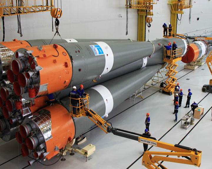 Ювелирная работа: На космодроме Восточный собрали уже 3-й пакет ракеты-носителя «Союз-2.1б»