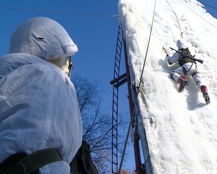 Подготовка на высоте: Курсанты ДВОКУ демонстрируют полученные навыки на масштабных учениях