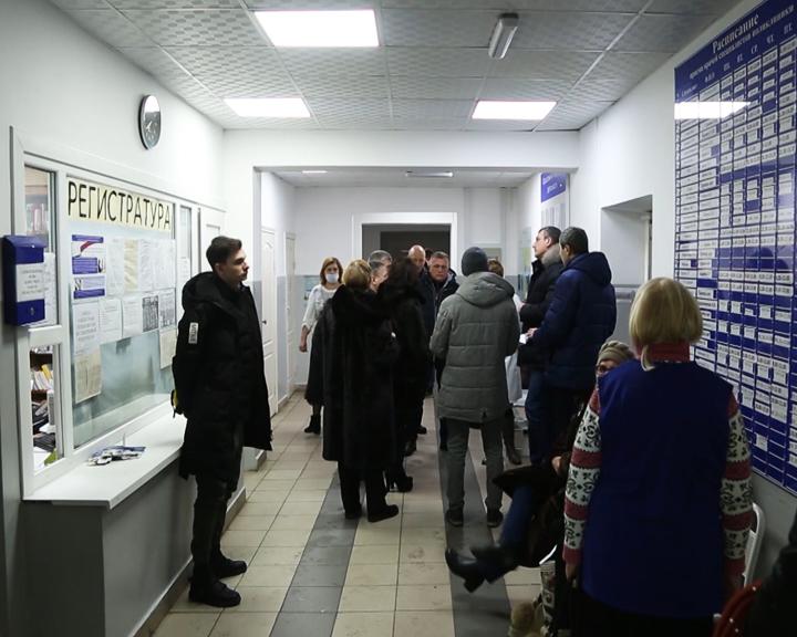 О поступлении новой медтехники в регион сообщил В. Орлов, посетив Магдагачи