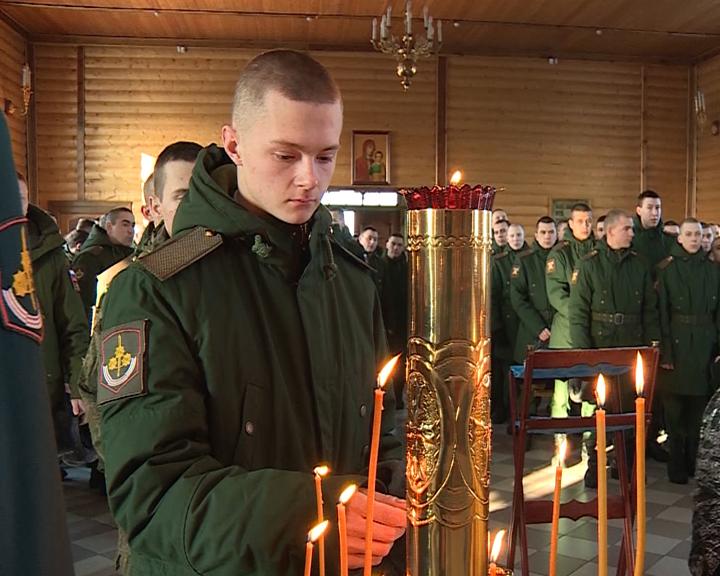 Около 4 тысяч военнослужащих поклонились иконе святого Иосифа Волоцкого в Белогорске