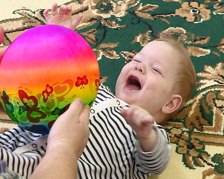 «Счастье каждому»: Малыши привлекли внимание приёмных родителей до выхода сюжета в эфир