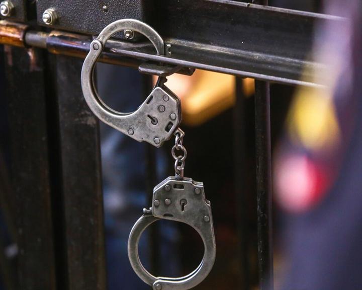 До 10 лет тюрьмы грозит двум амурчанам за незаконные валютные переводы за рубеж