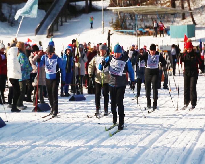 Амурские медработники приняли участие в лыжных гонках
