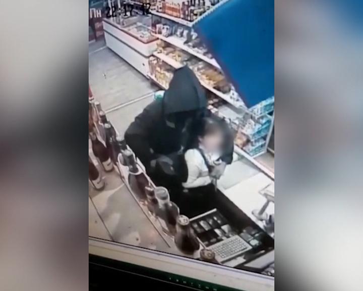 В Ивановке совершено разбойное нападение на продуктовый магазин