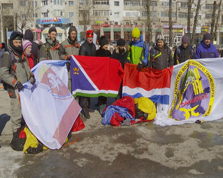 В областной столице массовым праздником встретили «Крымскую весну»