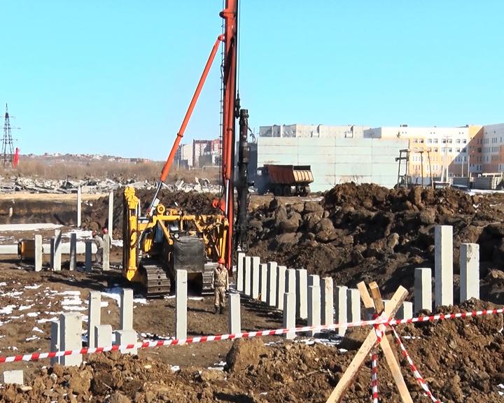 В микрорайоне Благовещенска развернулось строительство новой школы на 1,5 тысячи учеников