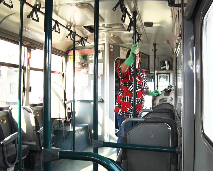 В общественных зданиях и автобусах Приамурья усилены меры профилактики вирусной инфекции