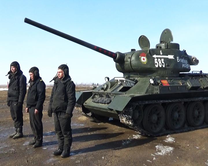 Специалисты ДВОКУ восстанавливают прославленный танк Т-34